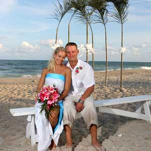 beach-wedding-tropical-look