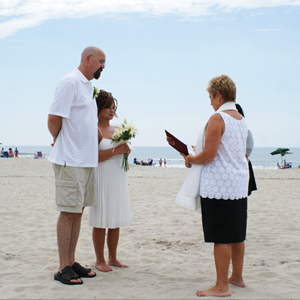 small-wedding-on-beach