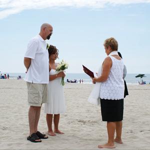 small-wedding-on-beach