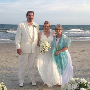 wedding-couple-on-the-beach